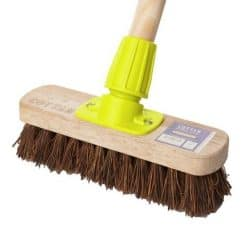 Bassine Deck Brush Complete With Handle - Image